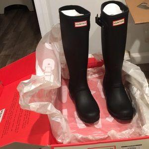Tall matte black hunter boots size 7 US